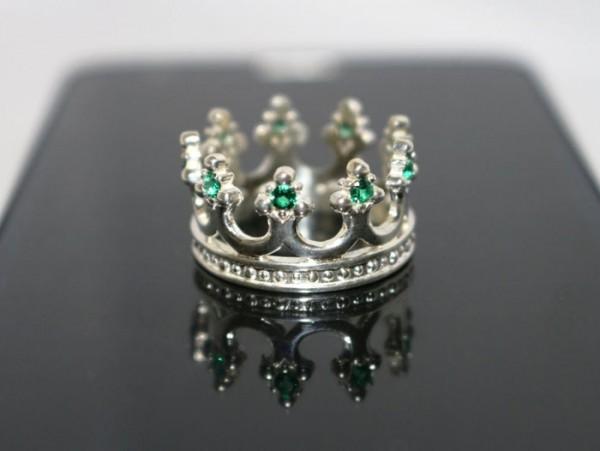кольцо корона с изумрудом
