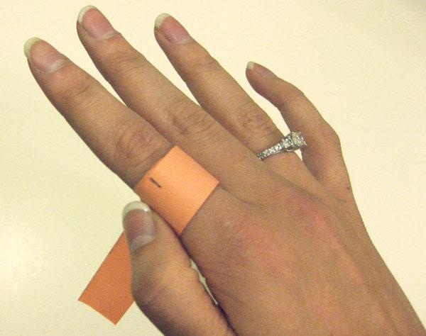 палец для кольца определить размер бумагой