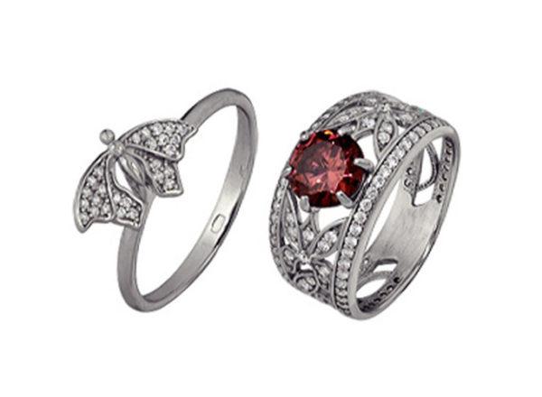 Кольца Великолепный век с красным фианитом из серебра два в комплекте