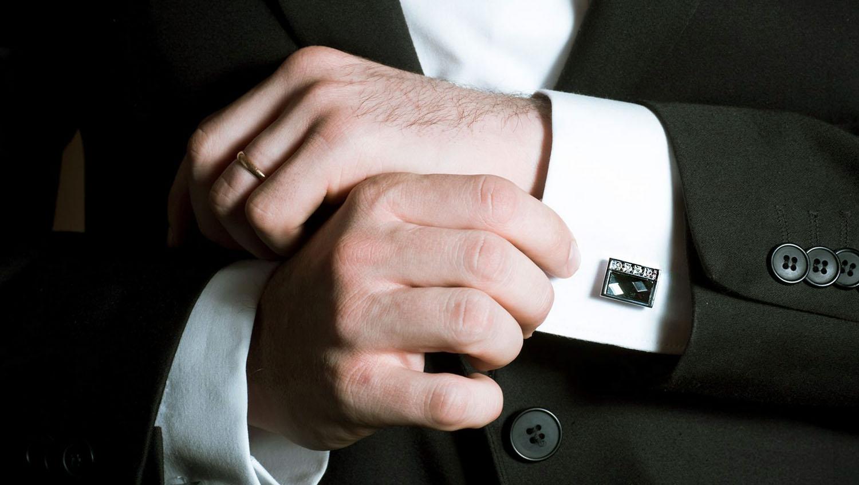 Как носить запонки и правильно сочетать с одеждой и аксессуарами