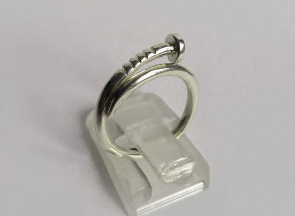 Кольцо гвоздь серебро стиль Карьтер 1